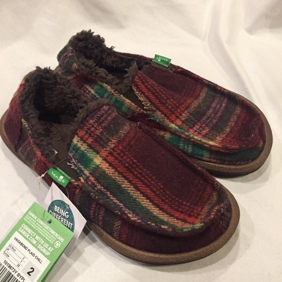 3a66a39256d Sanuk Big Kids Vagabond Plaid Chill Shearling Slip